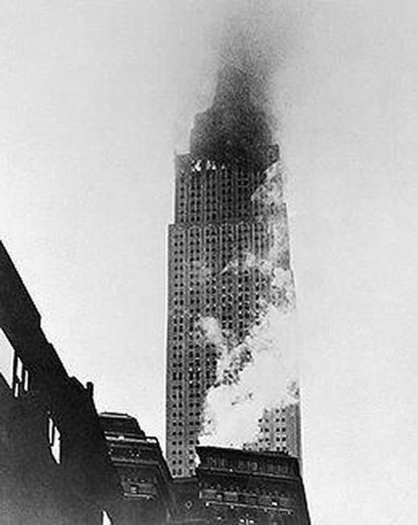 Empire State Building plane crash fire