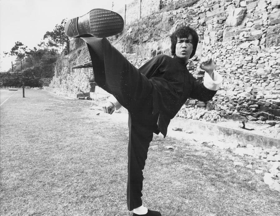 Bruce Lee kick from Enter the Dragon