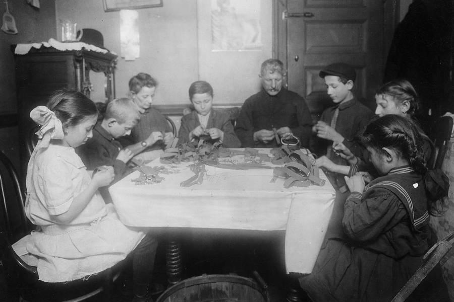 Jewish Garter Makers