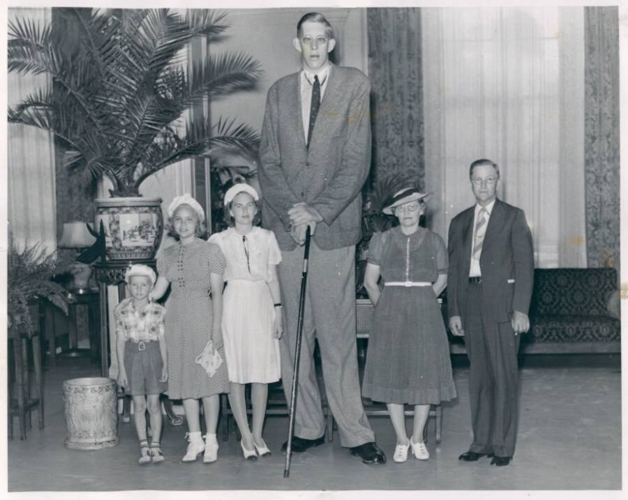 Tallest Man Ever With His Family