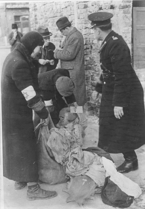 Investigating Jewish Suitcases