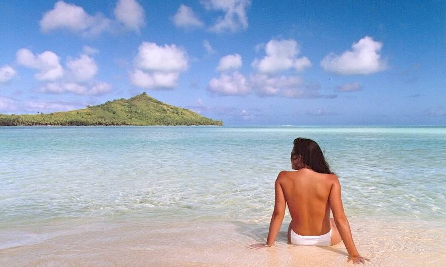 Jennifer In Paradise