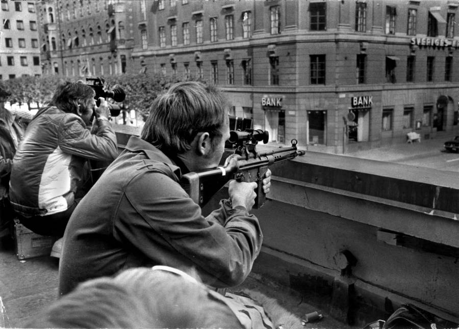 Snipers Outside Kreditbanken