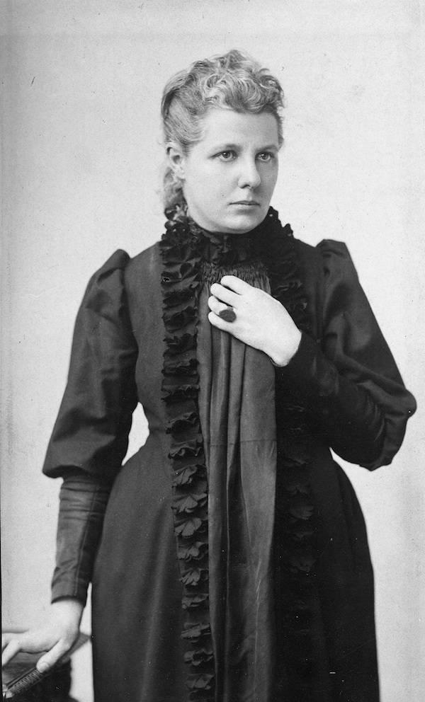 Annie Besant Standing