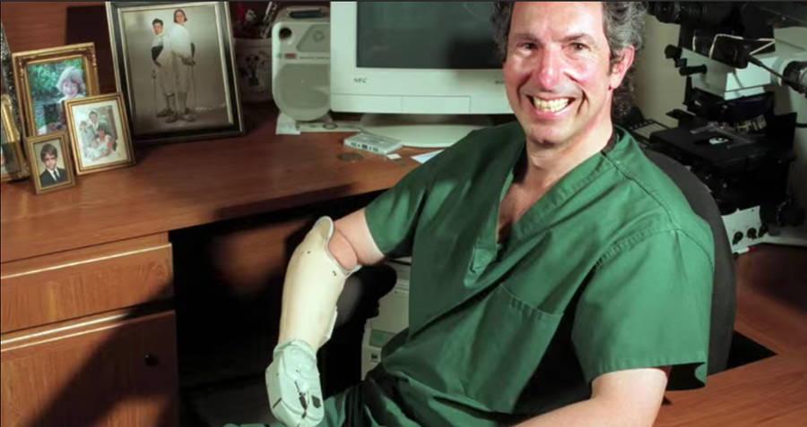 Beck Weathers In Recovery With Prosthetic