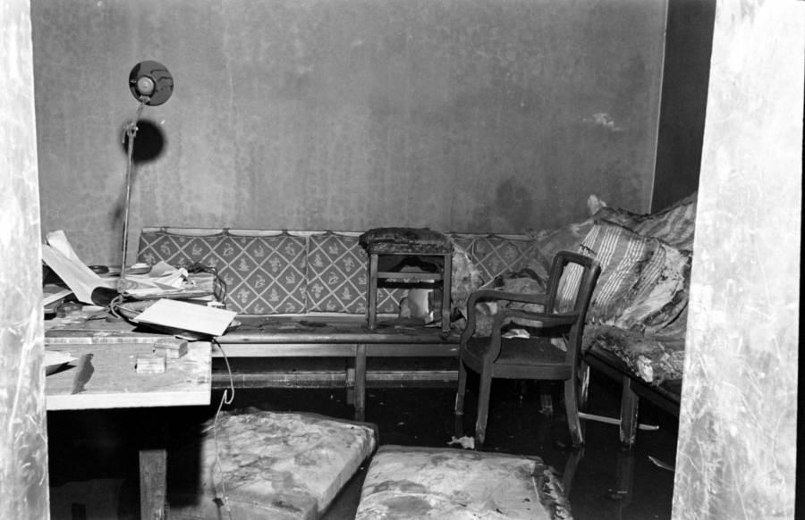 Fuhrerbunker Destroyed Couch