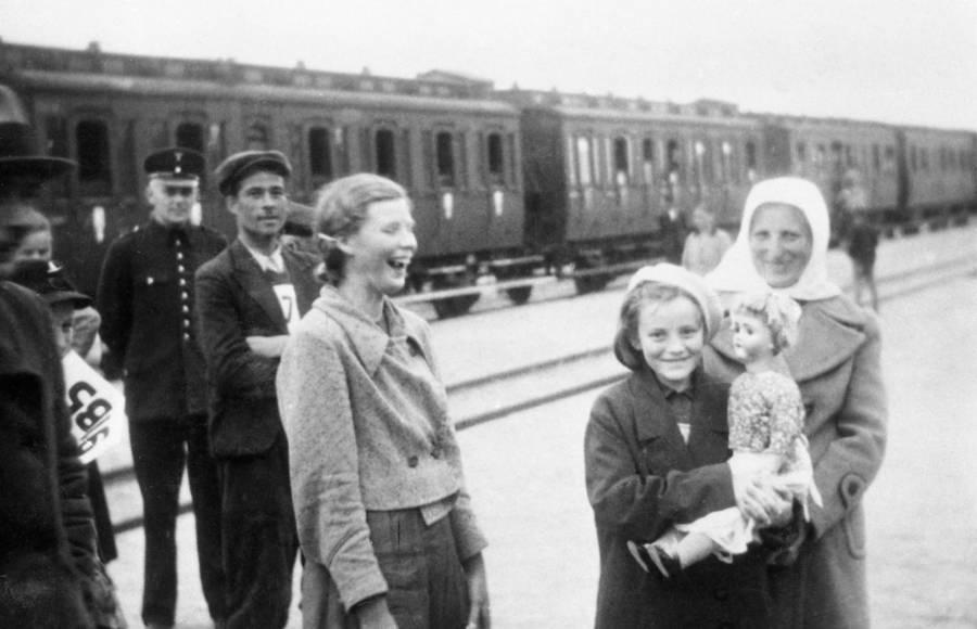 Germans Resettling Poland