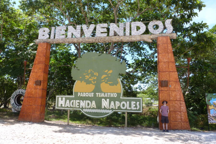 Hacienda Napoles Entrance