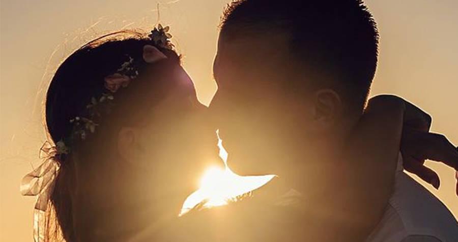 Kissing Sillhouette