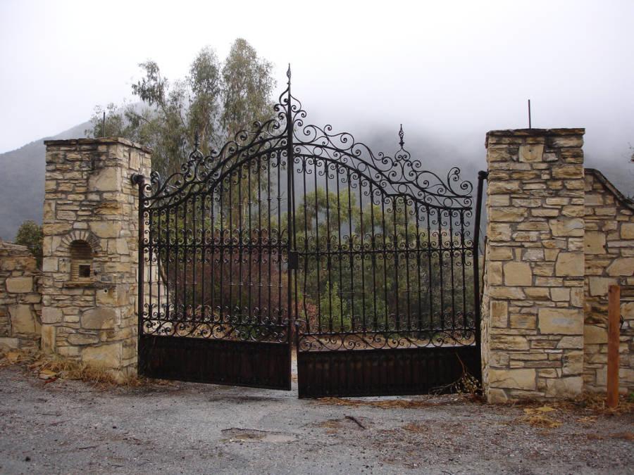 Murphys Ranch Gate