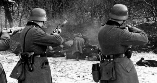 Image result for ww2 Jews lined up to be shot