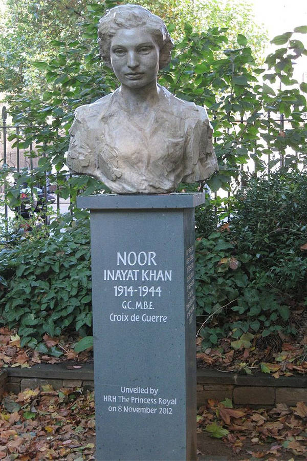 Noor Khan Bust