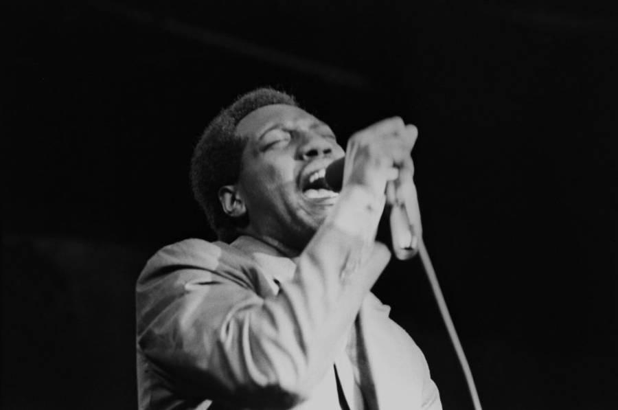 Otis Redding Sings Onstage
