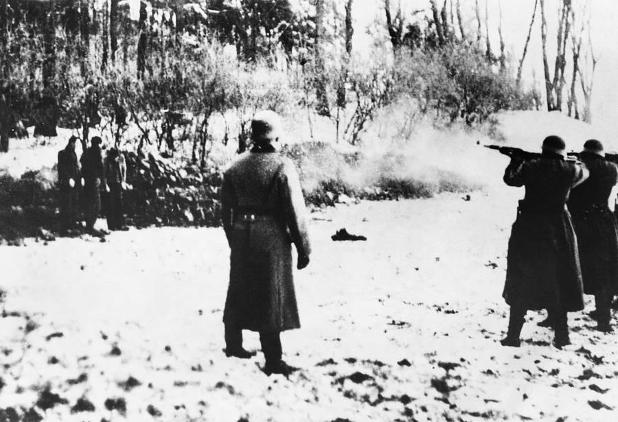 Poles Shot By Nazis