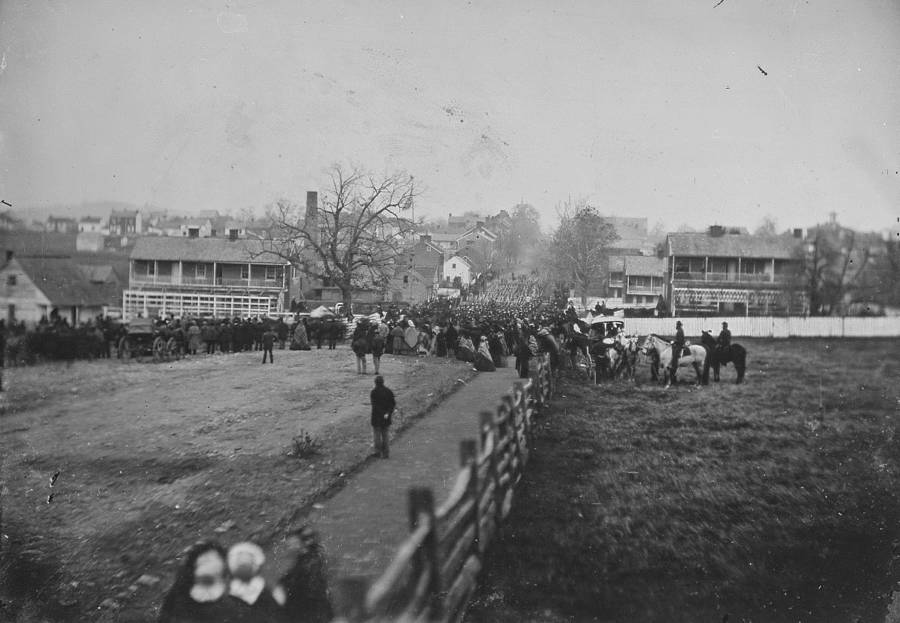 People Gather For Gettysburg Address