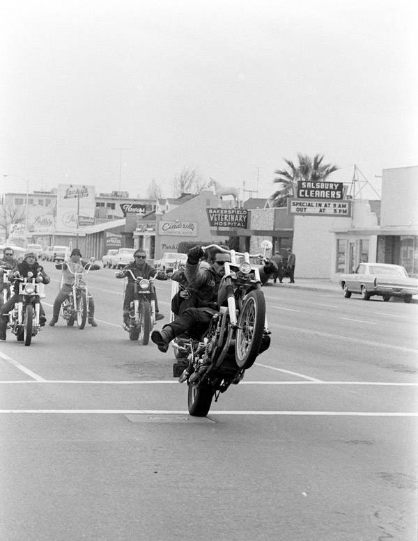 Hells Angels Wheelie