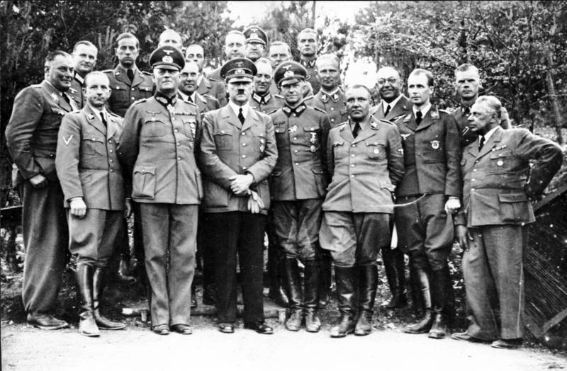 Adolf Hitler And Staff In 1940