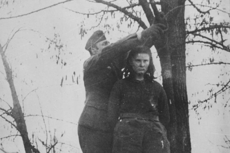 Lepa Radić About To Be Hanged