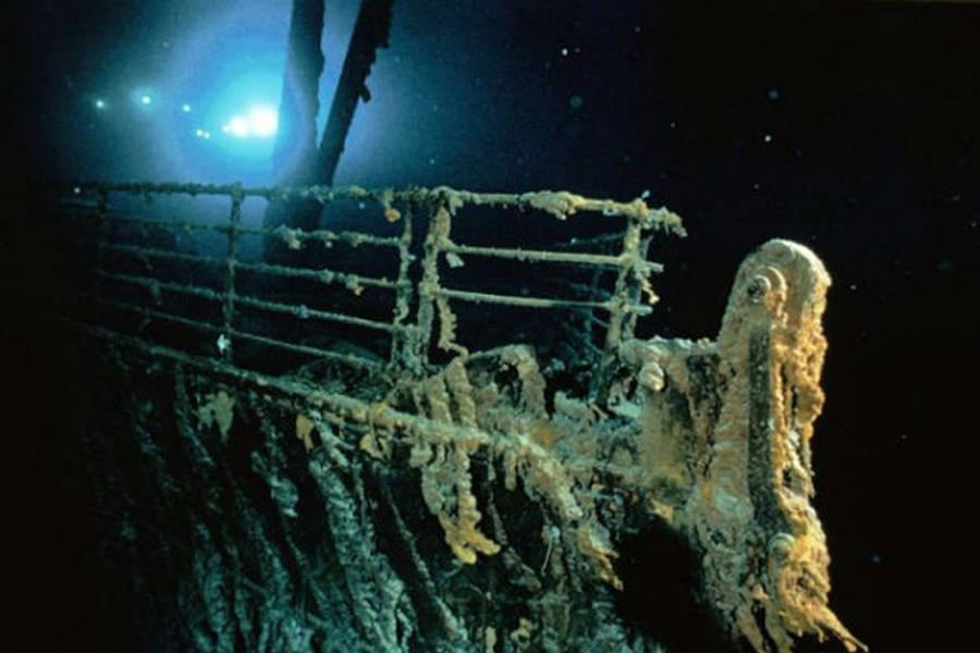 Titanic Bow Railing