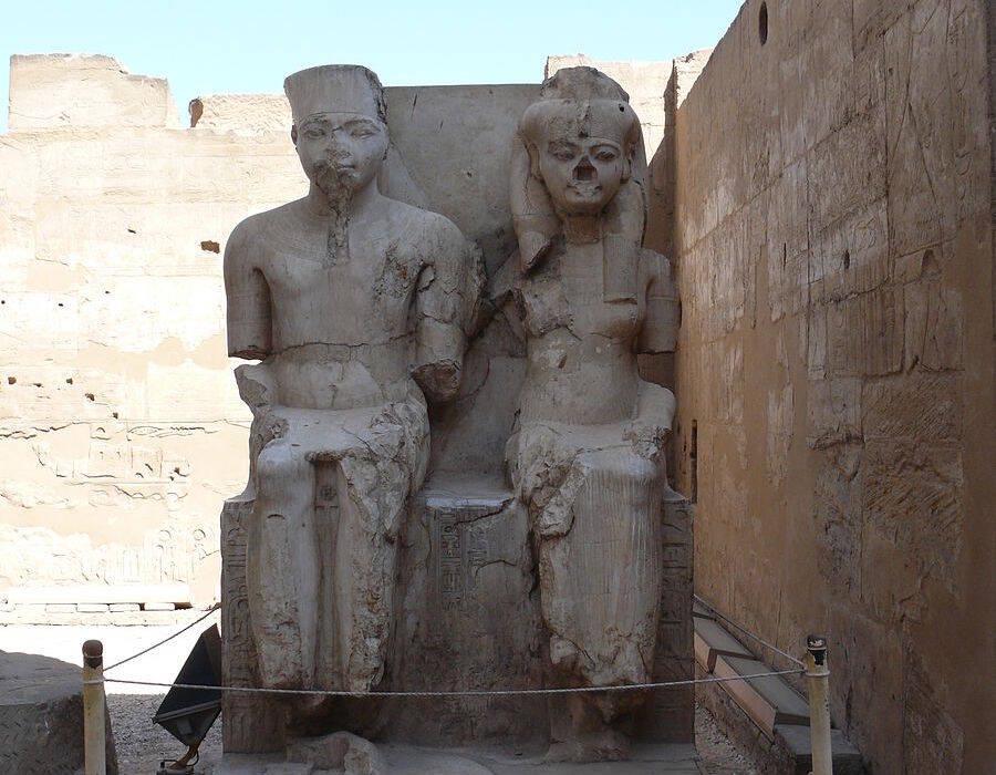 Ankhesenamun Statue