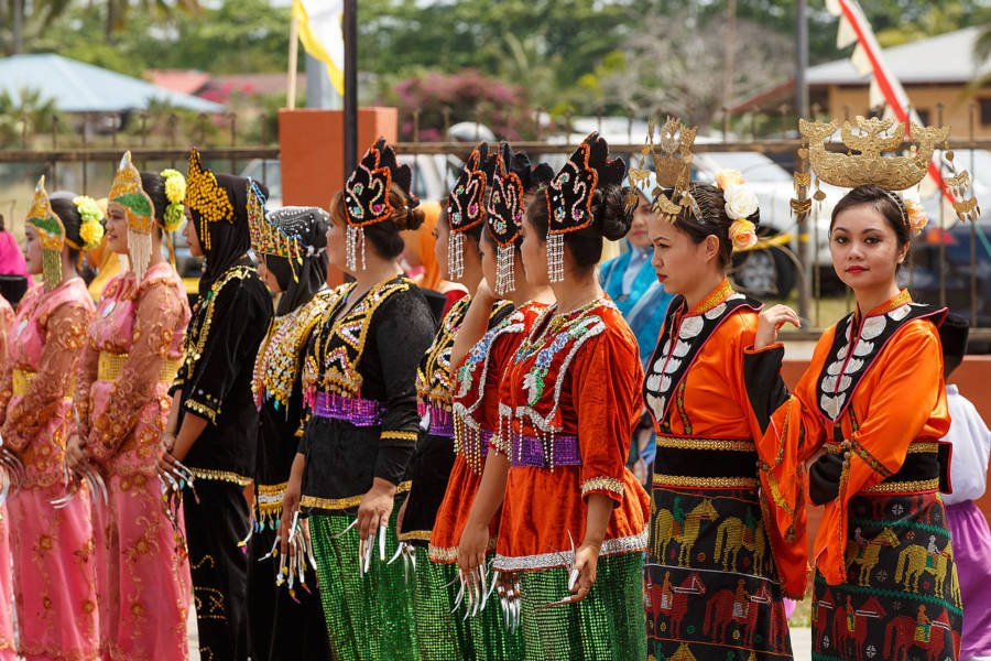 Bajau Women Lined Up