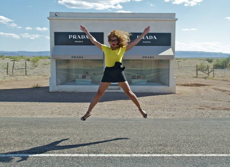 Beyonce At Prada Store In The Middle Of Nowhere