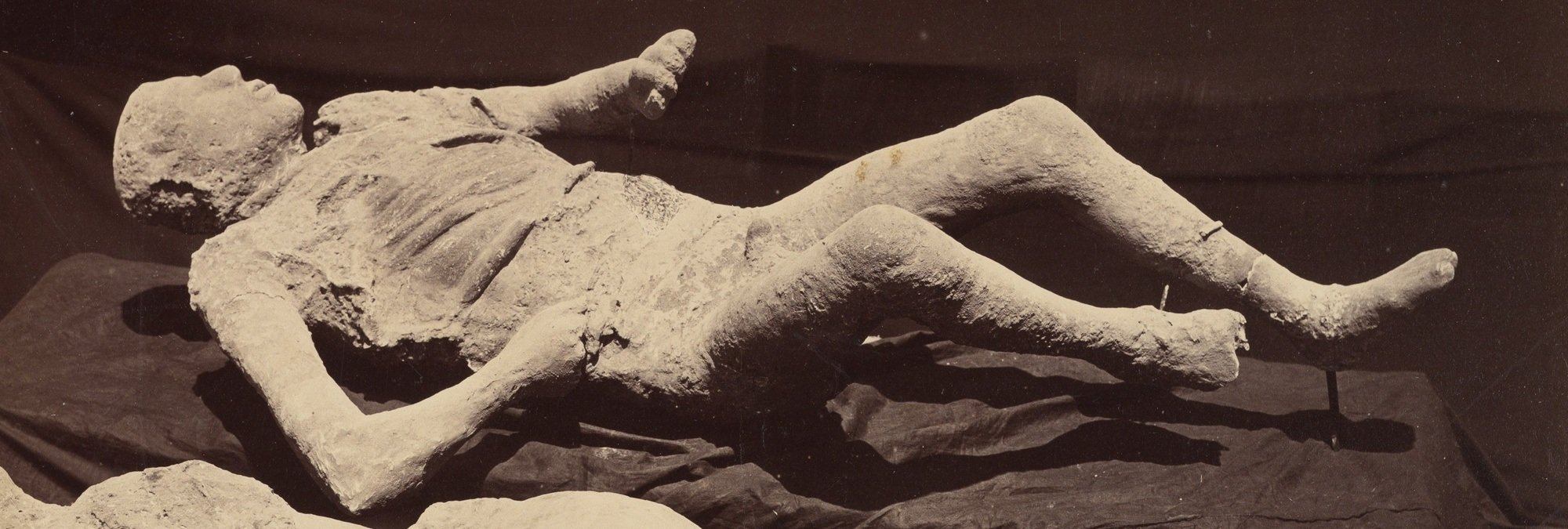 Bodies Of Pompeii Show Last Agonizing Moments Of Mt ...