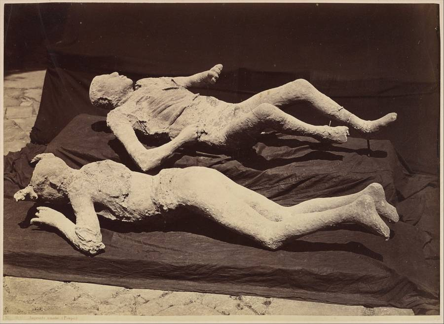 Old Photo Of Pompeii Bodies