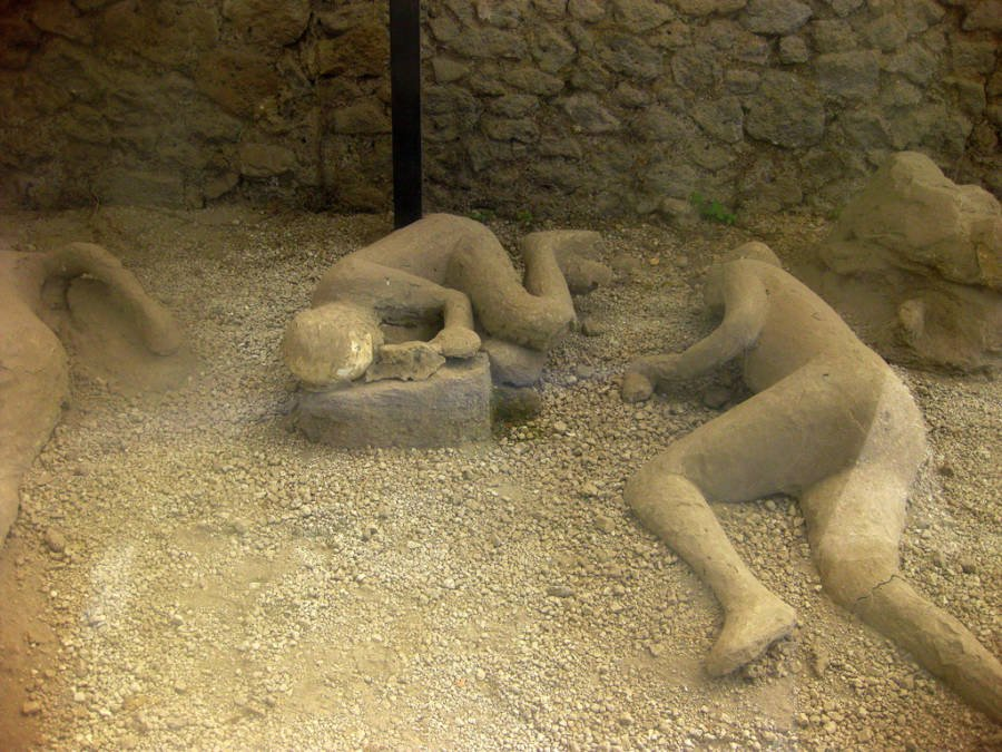 Pompeii Bodies On Ground