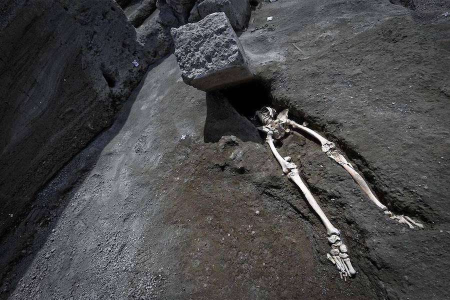 Pompeii Skeleton Discovery