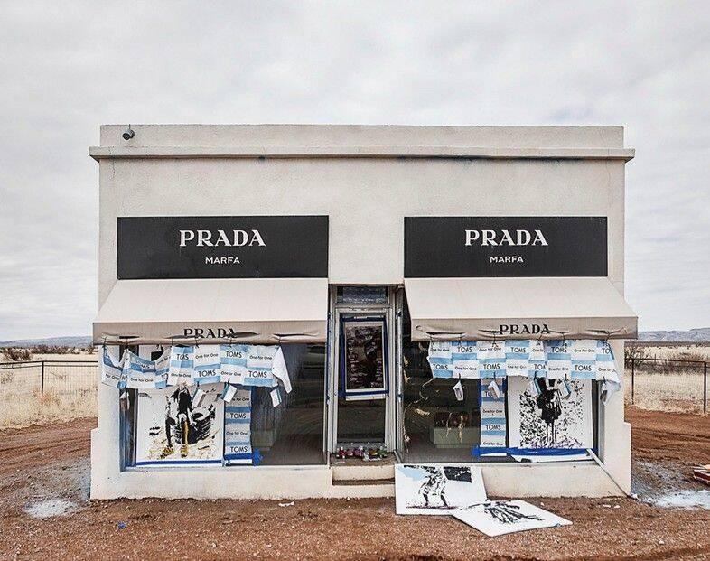 Prada Marfa Vandalism In 2014