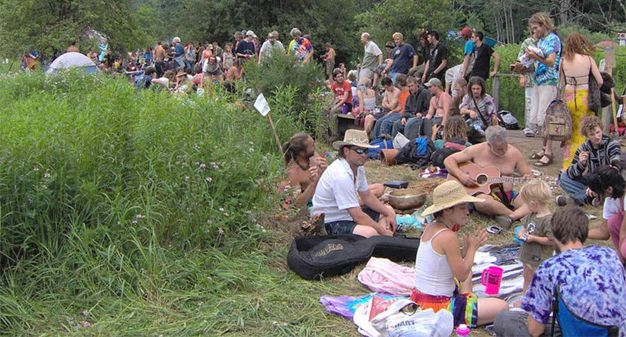 Rainbow Gathering Traders
