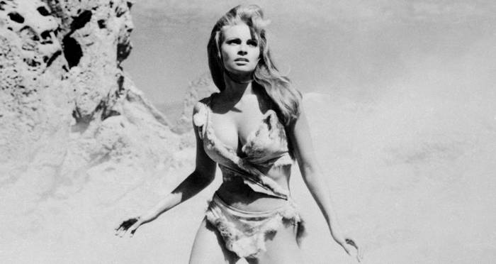 27 Vintage Raquel Welch Pictures Of The Sex Symbol Who Broke The Mold