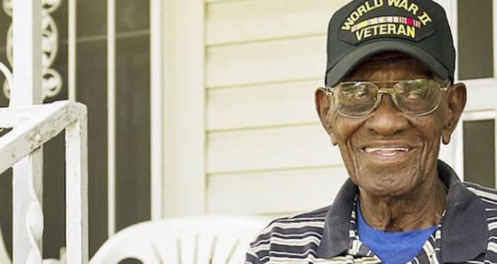 Richard Overton America S Oldest World War Ii Vet Is 112