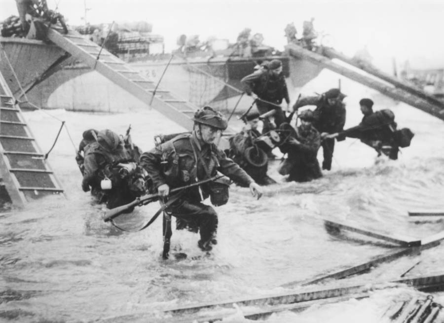 British Troops During The Normandy Invasion
