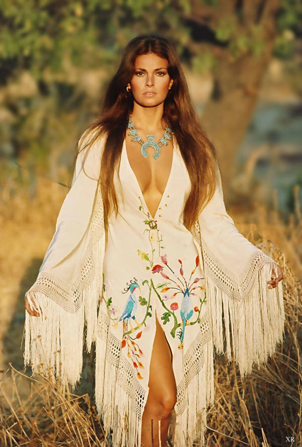 Vintage Raquel Welch Pictures