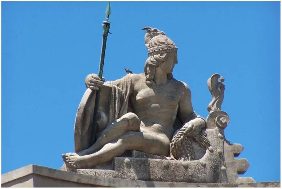 Queen Teuta Statue