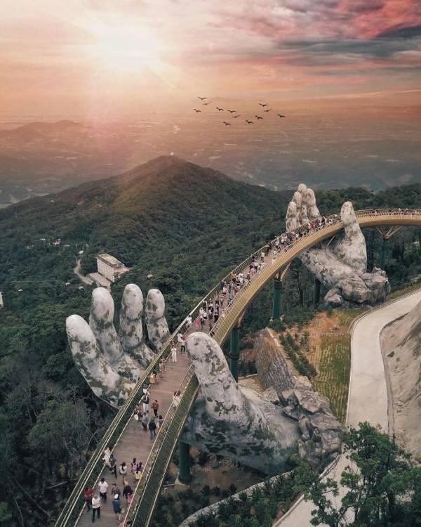 Cau Vang Bridge