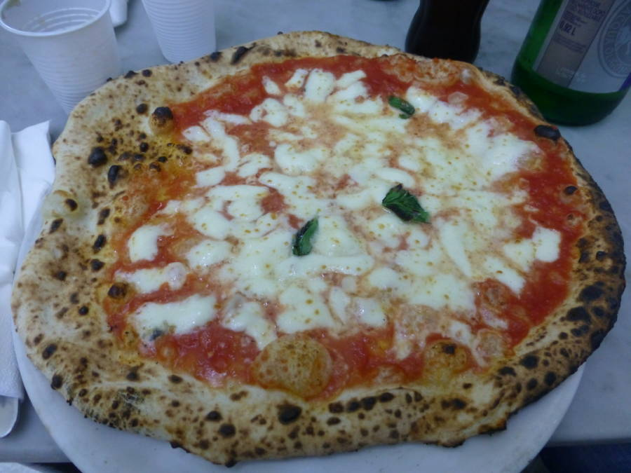 A Pizza Margherita
