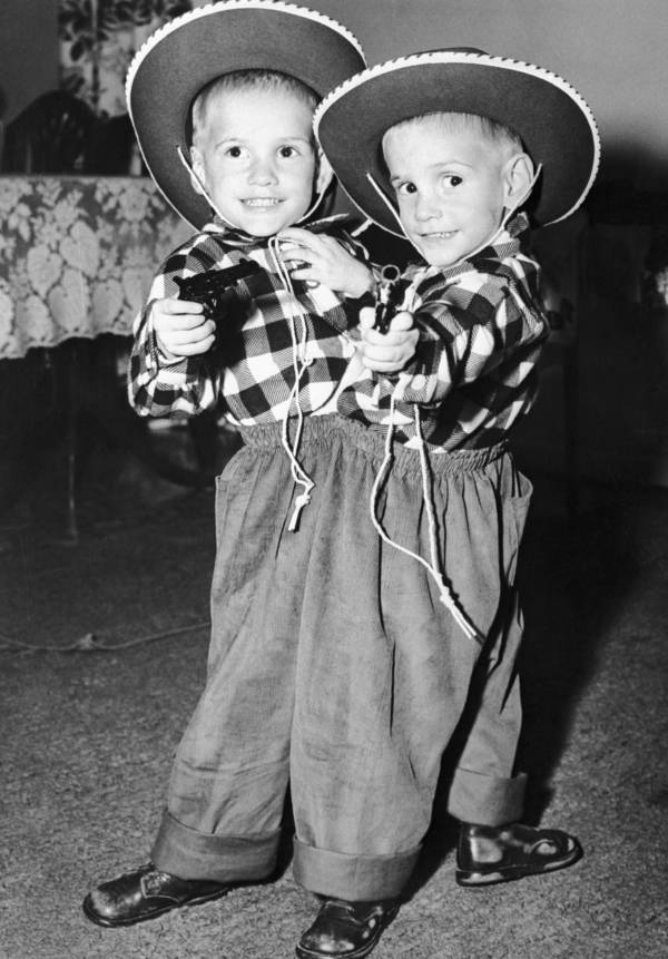 Galyon Twins Dessed As Cowboys