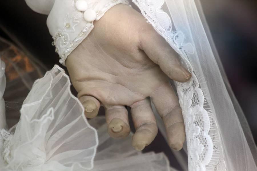 Pascualita Hands