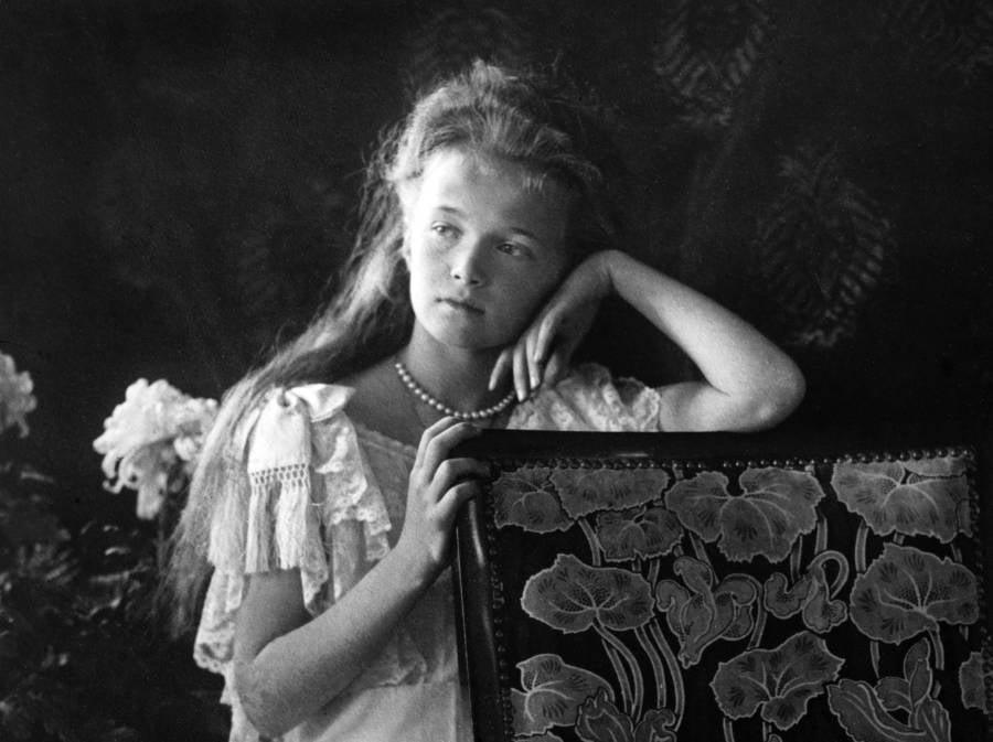 Anastasia Romanov Posing