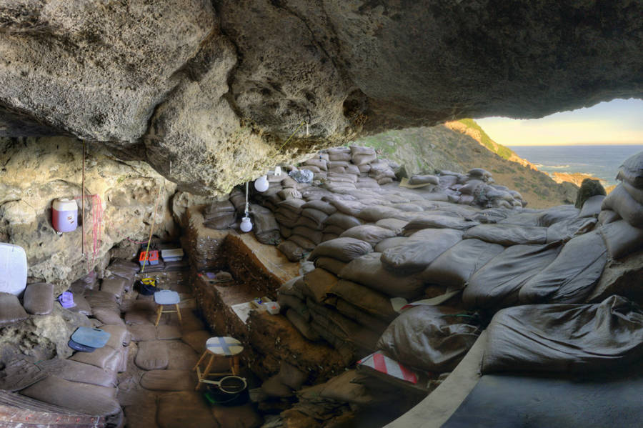 Interior Blombos Cave