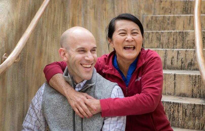 Seminatore Wong Hugging