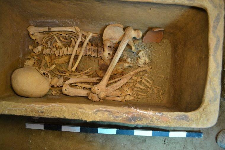 Skeleton Minoan Tomb
