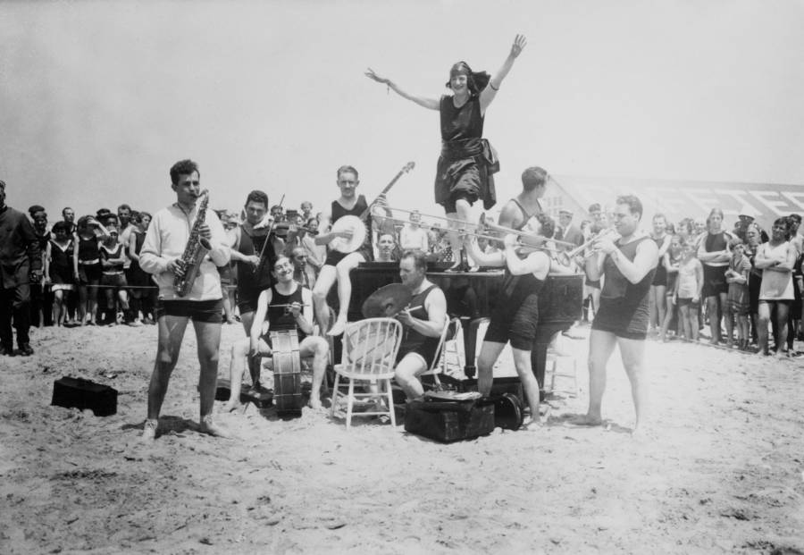 Flapper Beach Party