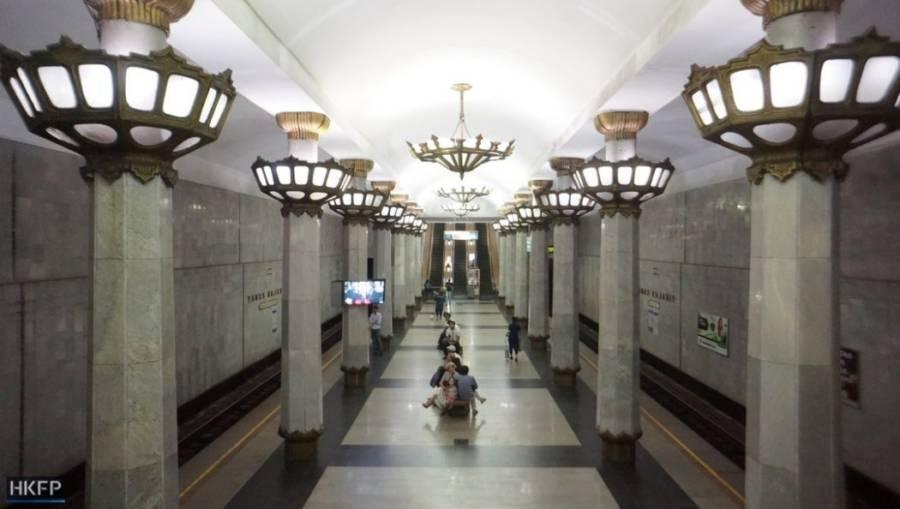 Tashkent Hall Chandeliers Columns
