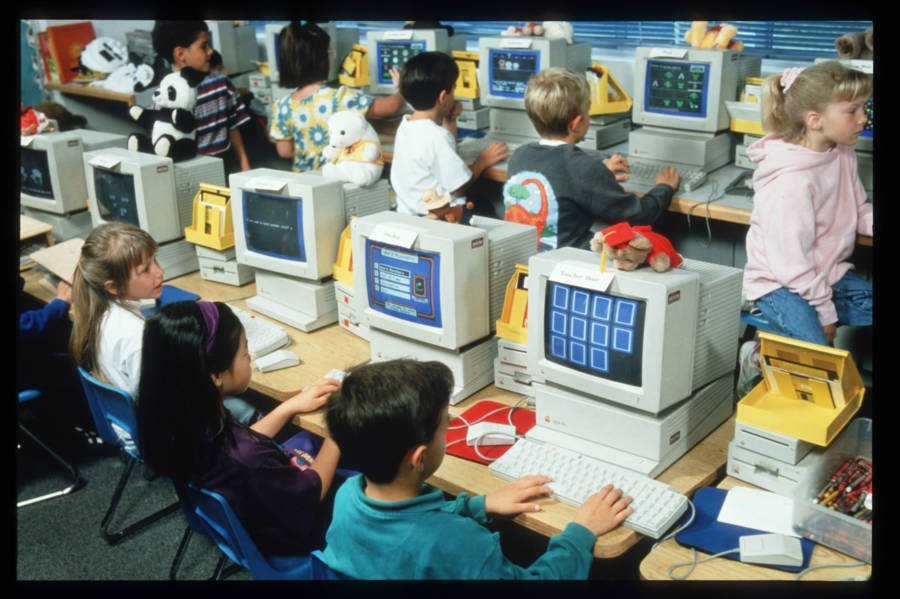 Kids On Early Apple Computers