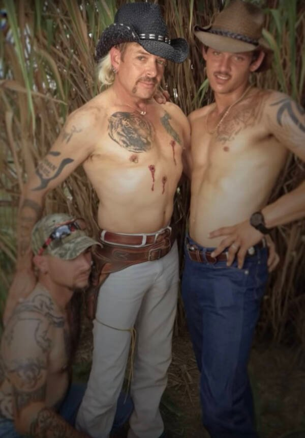 John Finlay With Joe Exotic And Travis Maldonado
