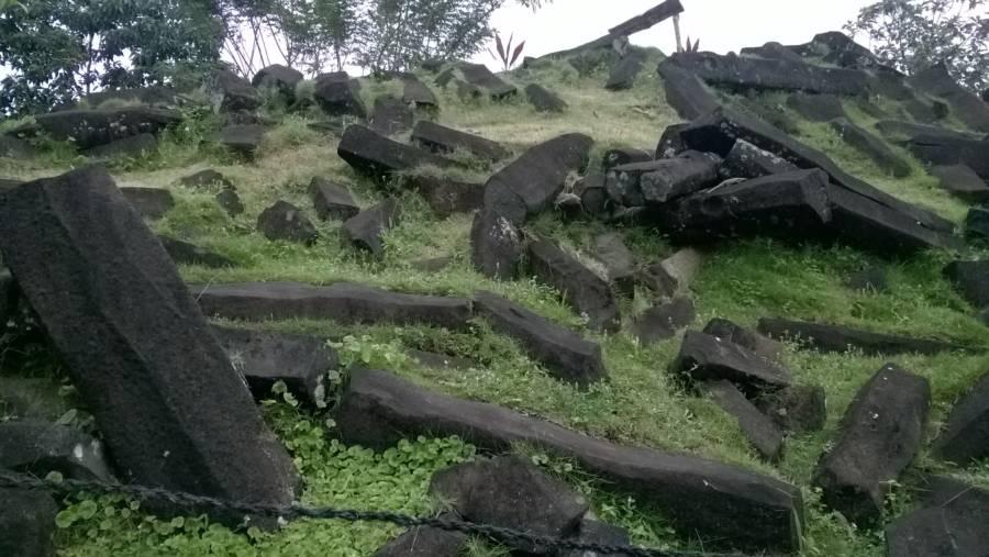 Gunung Padang Stones